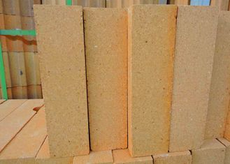 China Standard Shape Fire Clay Bricks High Strength , 30%-48% Al2O3 Content supplier